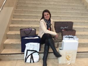 Moderator Anna Bellman pustar ut efter fyra timmars shopping